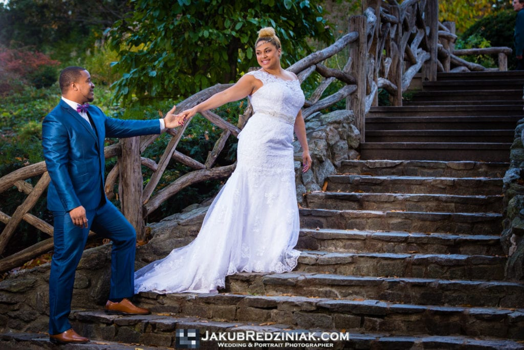 couple wedding photo at Swedish Cottage Marionette Theatre on the steps