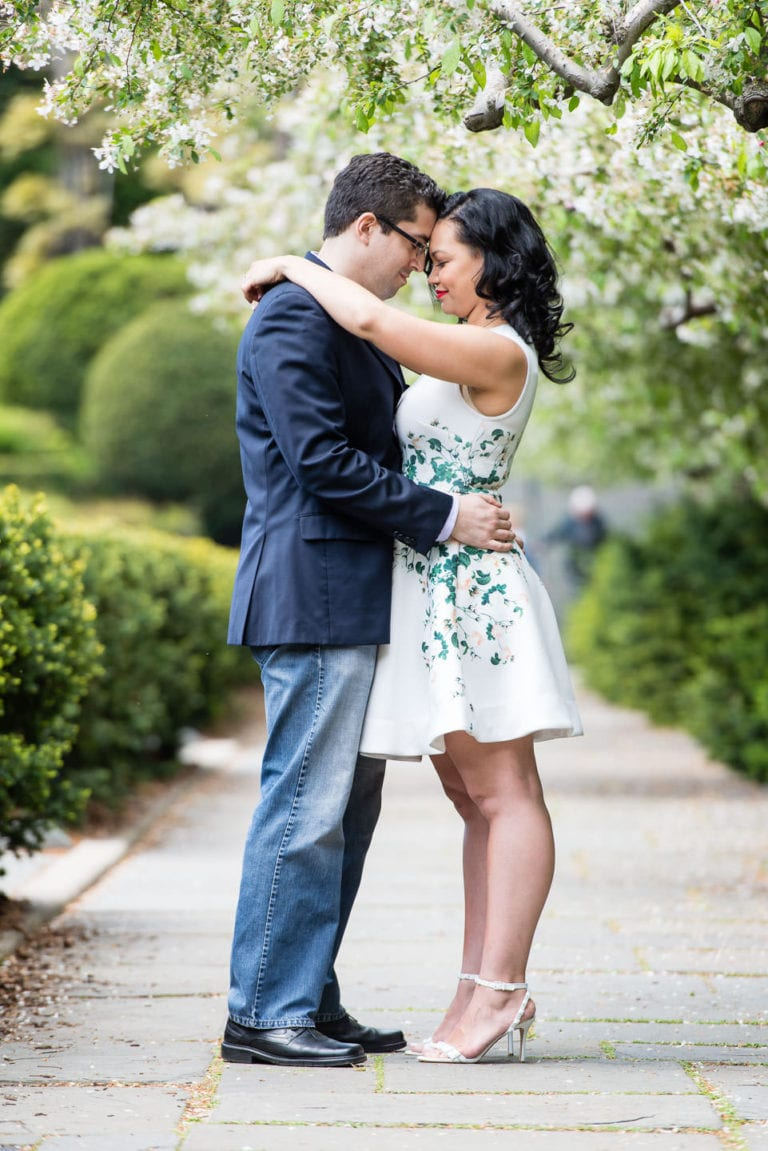 couple engagement session in conservatory gardens central park upper east side in the spring