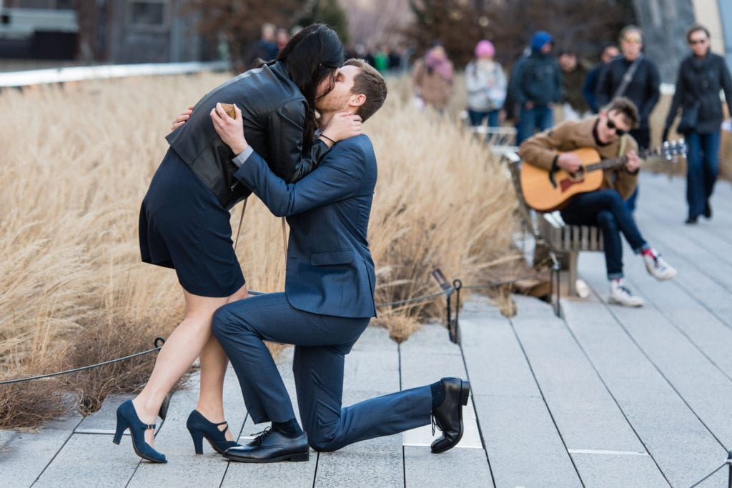 planning a proposal in new york city on the highline with guitarist