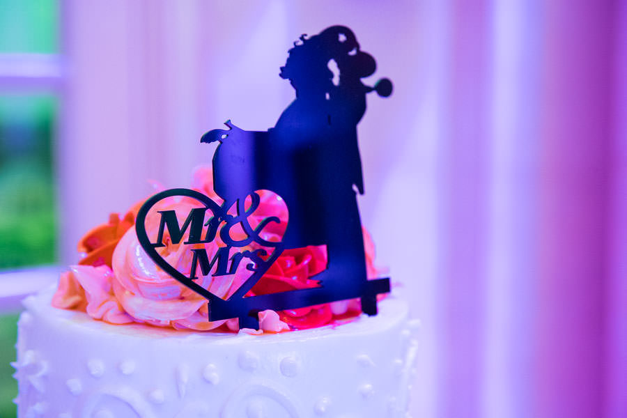 wedding cake decoration mr and mrs in terrace on the park wedding venue