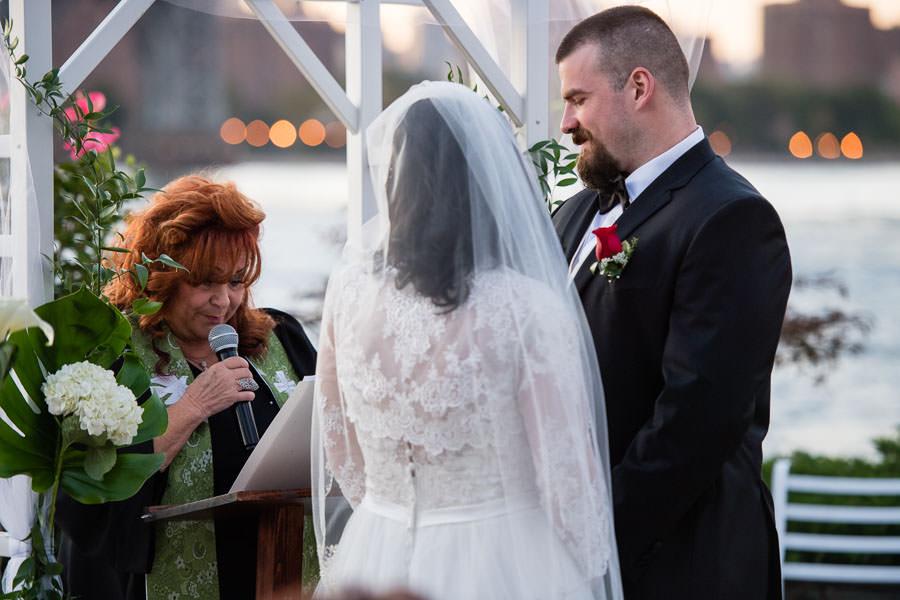 wedding ceremony at Giando on the water in Brooklyn, NY