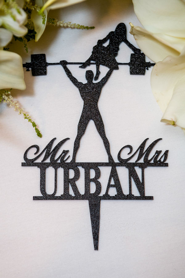 wedding cake topper for bodybuilders and powerlifters weight lifting theme