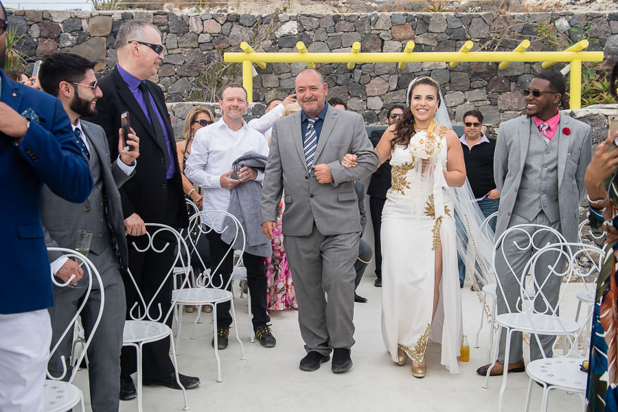 wedding ceremony in santorini greece
