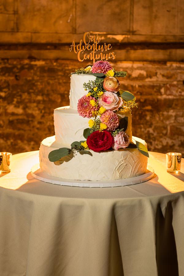 wedding cake at greenpoint loft