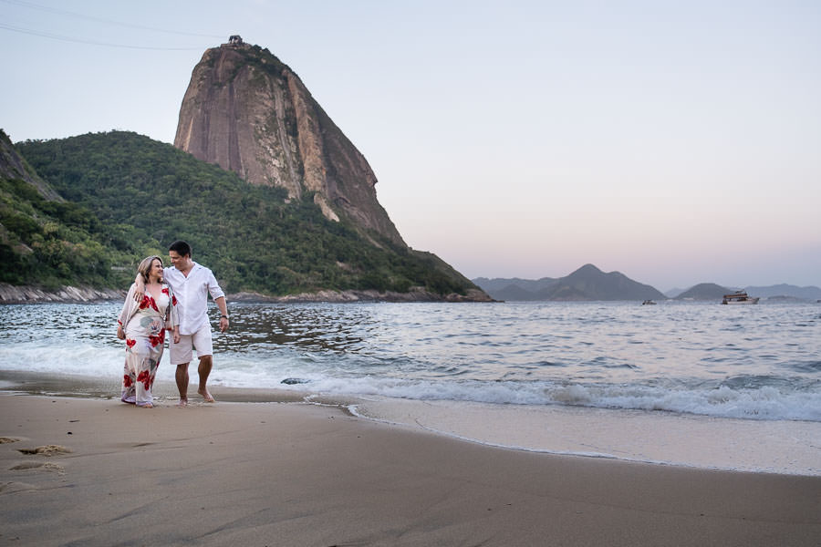sunset engagement session near pao de azucar in rio de janeiro brazil by destination wedding photographer jakub redziniak