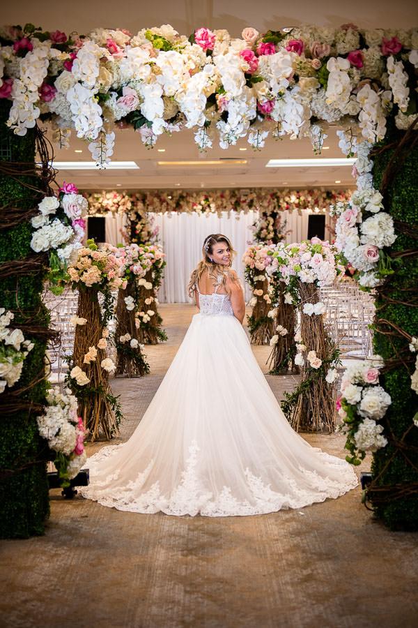 bridal portraits at metropolitan ballroom