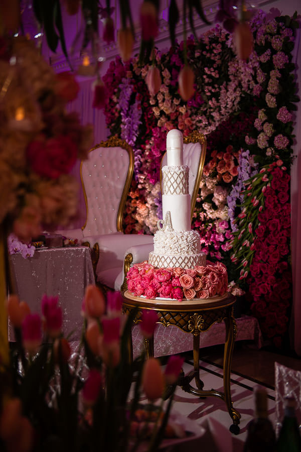 metropolitan ballroom reception details by Gary Abramov Event Productions DBA Floral Art and wedding cake by tasty pastry shoppe