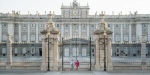 madrid engagement session at palacio real de madrid