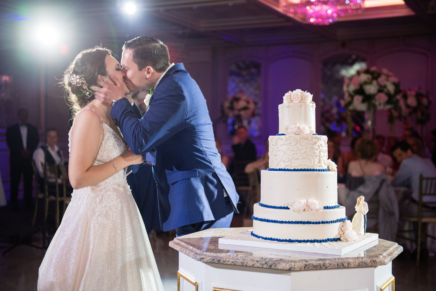 cake cutting at royal manor wedding in new jersey