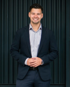 Jakub Redziniak Headshot
